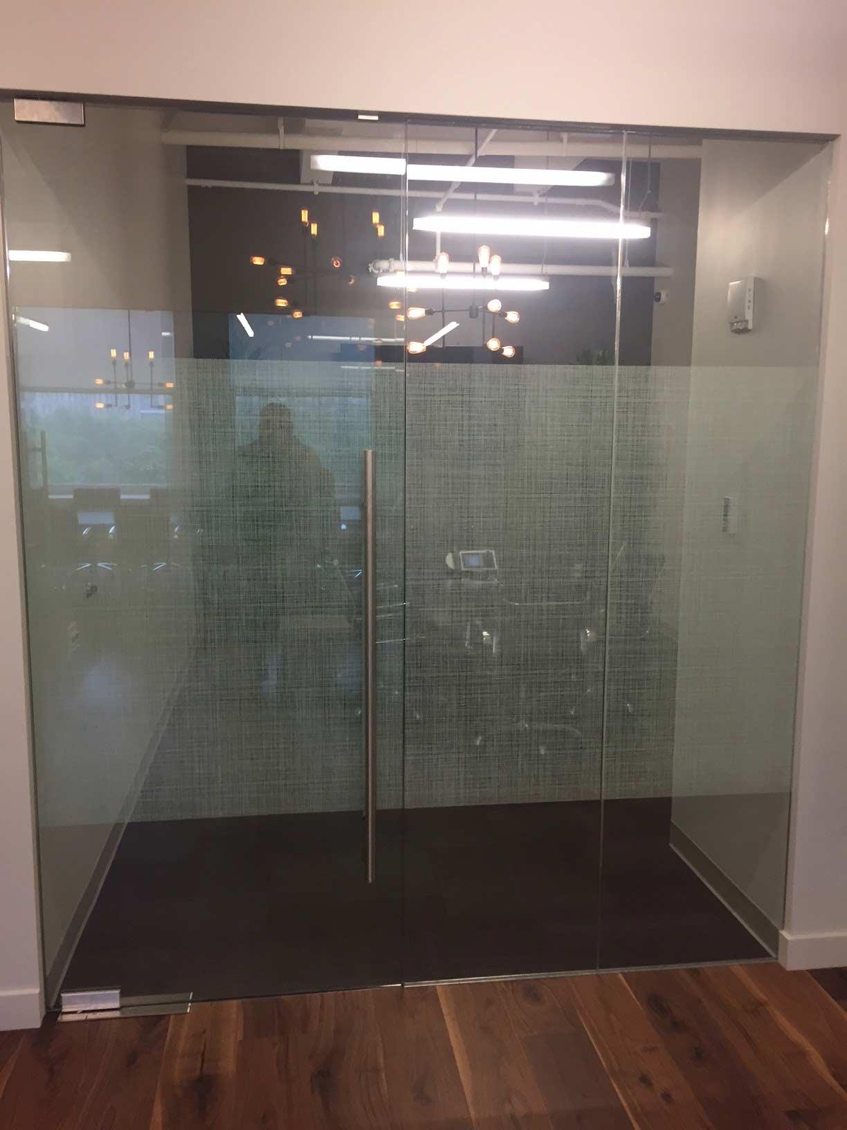 distraction band on glass door